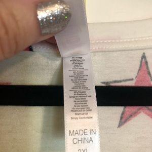 LuLaRoe Tops - LuLaRoe 2xl Christy v-neck teeshirt